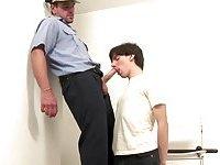 Cute thug blows policemans prick