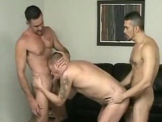 Unforgettable pissing & tattooed guys fuck