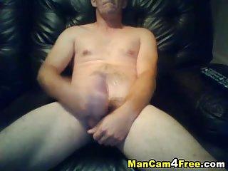 Amateur Guy Rubbing His Cock