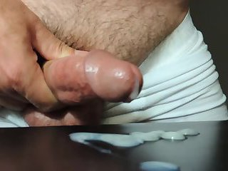 Mature Daddy wanking until cum clouse up